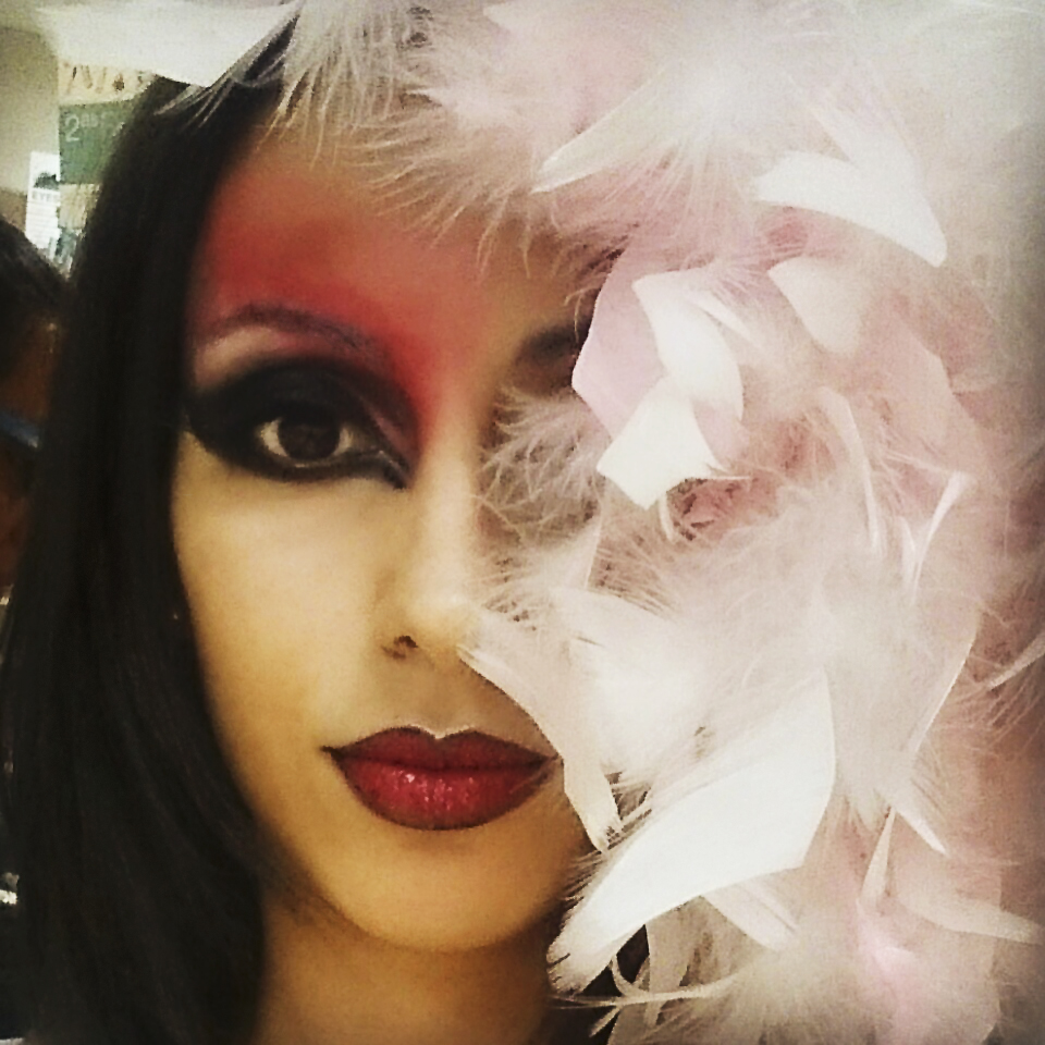Rojo teatral – Maquillaje de Pasarela 01
